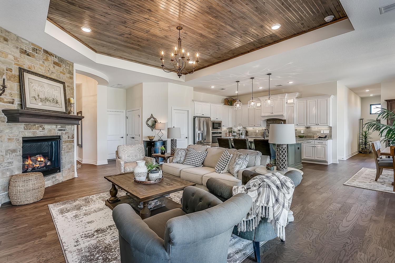 3830 Red Fox Cir Wichita KS-large-011-41-Living Room-1500x1000-72dpi.jpg