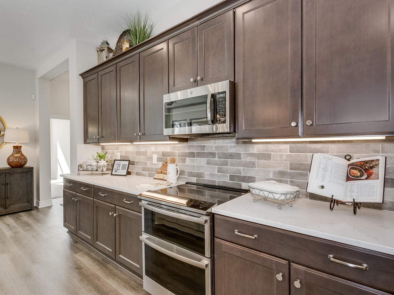3844 Brush Creek St Wichita KS-015-26-Kitchen-MLS_Size.jpg