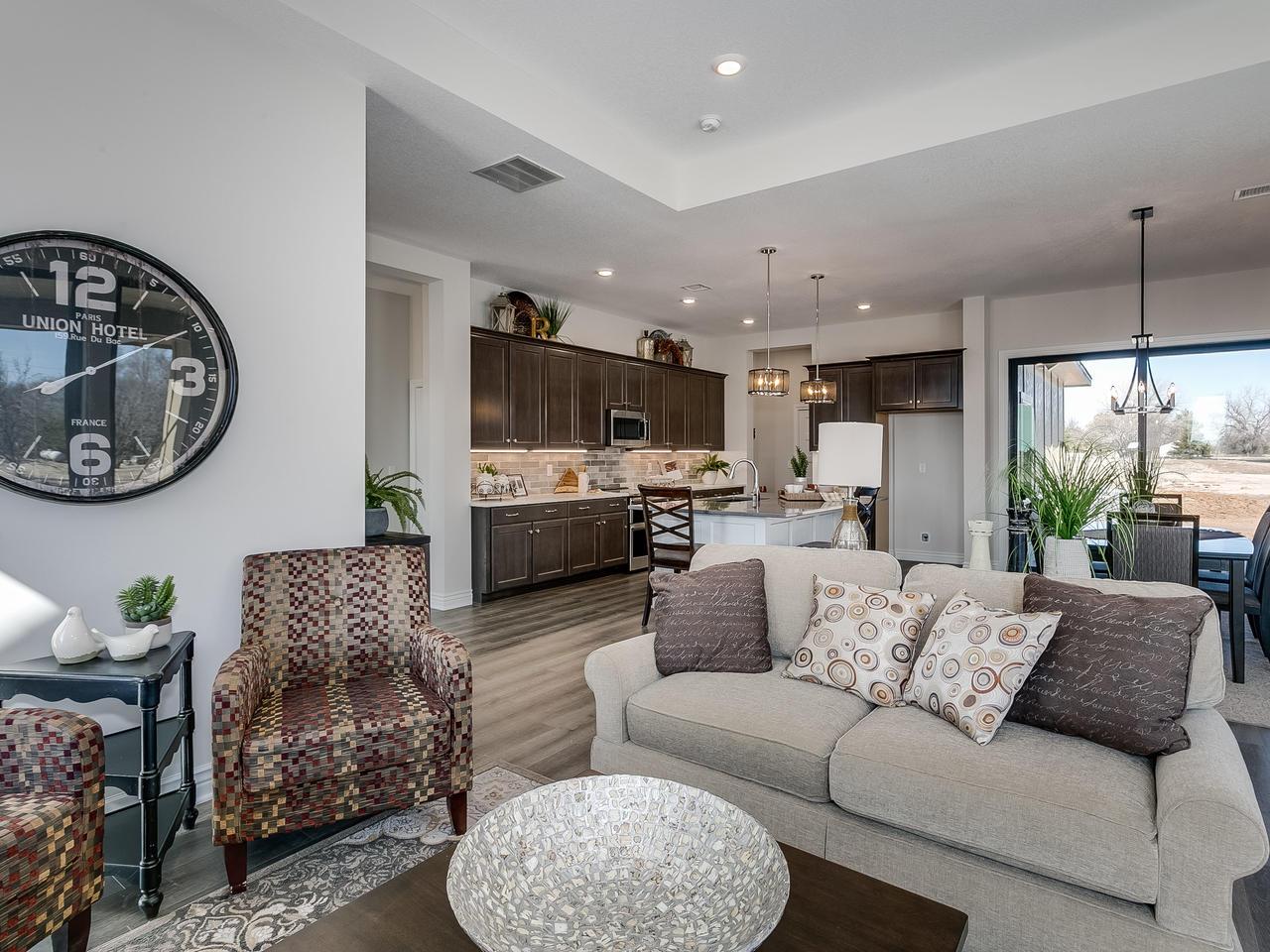 3844 Brush Creek St Wichita KS-008-20-Living Room-MLS_Size.jpg