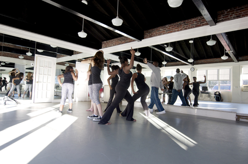 Carriage House Studios - This professional dance studio is equipped with full-length mirrors and a soft, marled floor. Designed for dance, it is also perfect for Jazzercise, yoga, thai chi and other activities that require ease of motion.Dimensions: 29' x 25'Maximum Capacity: 50