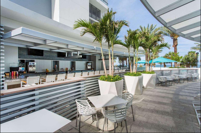 wyndham pool bar.JPG
