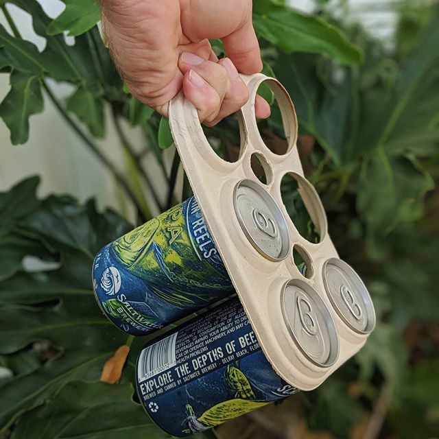 Thank goodness @saltwaterbrewery has our backs when it comes to kicking back with an ocean friendly brew.   This Delray Beach brewery has created 6-pack rings from barley and wheat remnants. If they end up in the environment, they will safely degrade, and can also be safely eaten by animals (just don't throw 'em in the ocean on purpose. They're not a diet staple 😅).  Find 'em at a South Florida store near you!  Let's see if the big gals have the guts to follow in their trailblazing footsteps. How about it @budweiser, @coorslight, @pabstblueribbon, @heineken?   #ecofriendly #plasticocean #plasticpollution #protectmarinelife #protecthumanhealth #babysteps #workingtogether #yayforearth #innovation #trailblazers #beer #beerbelly #brewery #beerbeerbeer
