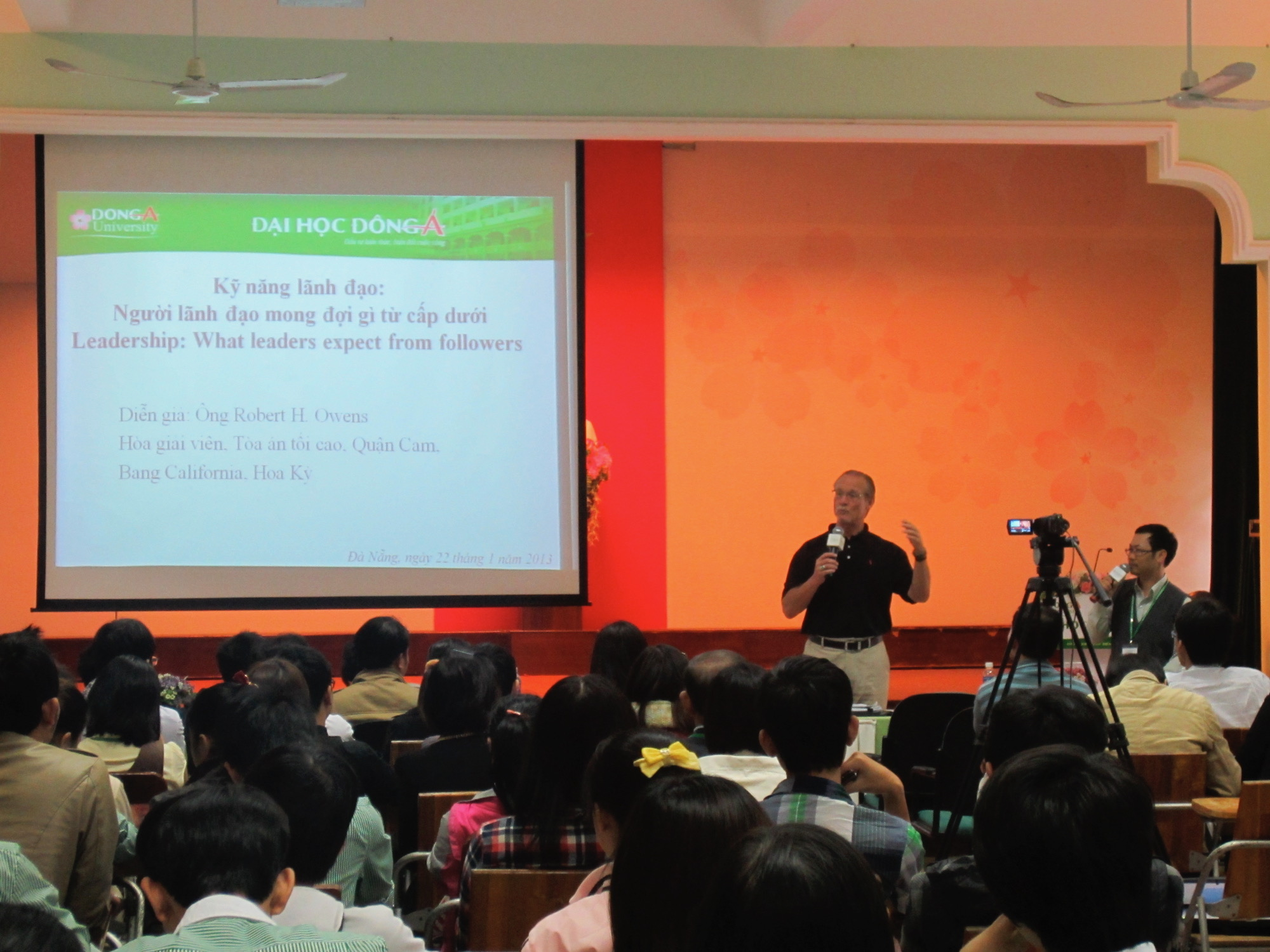 Teaching Dept. of Foreign Affairs Employees in Danang, Vietnam in 2016.