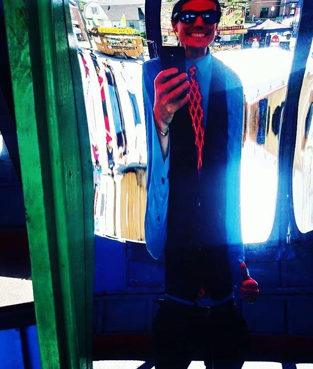 Circus mirrors: The original filter. #soldonlyascurio #detroitbands #detroitmusic #circusmirror #nofilter #filter #coolguy