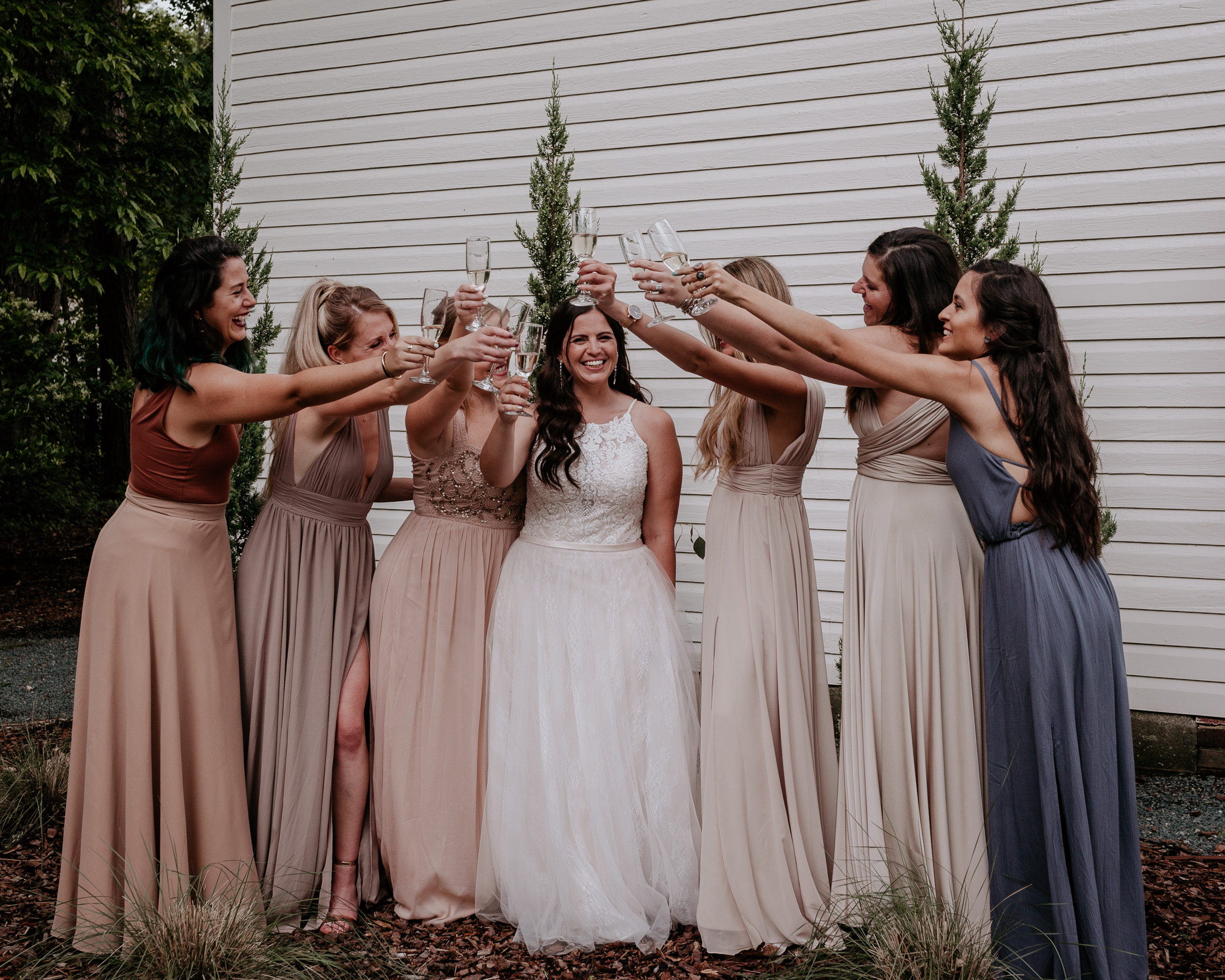 #4. Your timeline - There are a lot of elements that go into your wedding day timeline and this is where our expertise comes in. We'll certainly recommend doing a first-look but most of all create a timeline that maximizes our time together. We've worked on a ton of wedding timelines, so let us help reduce your stress.
