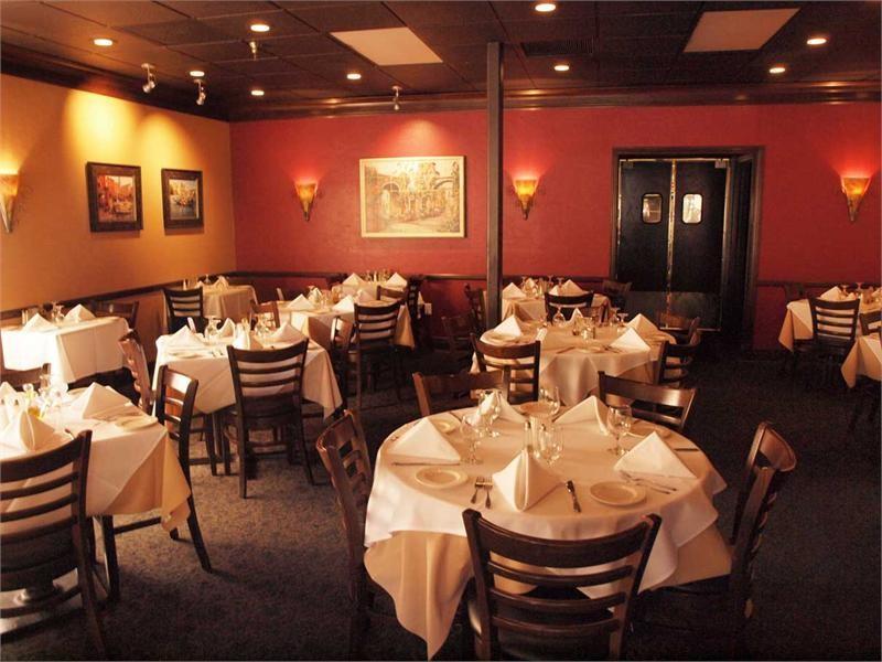 Amelia's Restaurant - 235 S Main St #107, Gainesville, FL 32601(352) 373-1919
