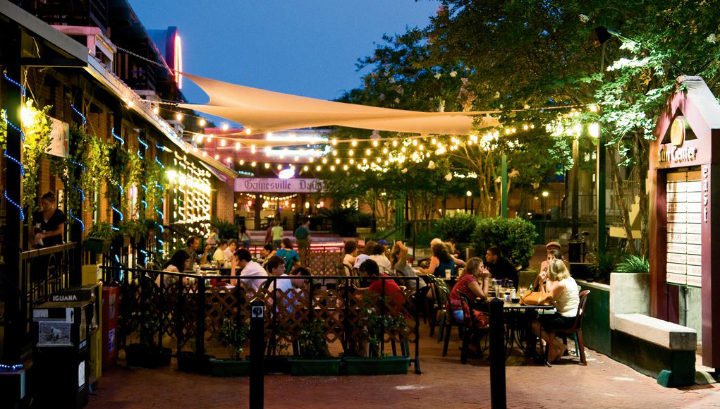 Maude's Cafe - 101 SE 2nd Pl, Gainesville, FL 32601(352) 336-9646