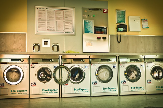 Laundromats & Dry Cleaners