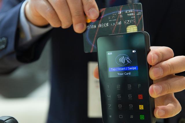 credit-card-1730085_640.jpg