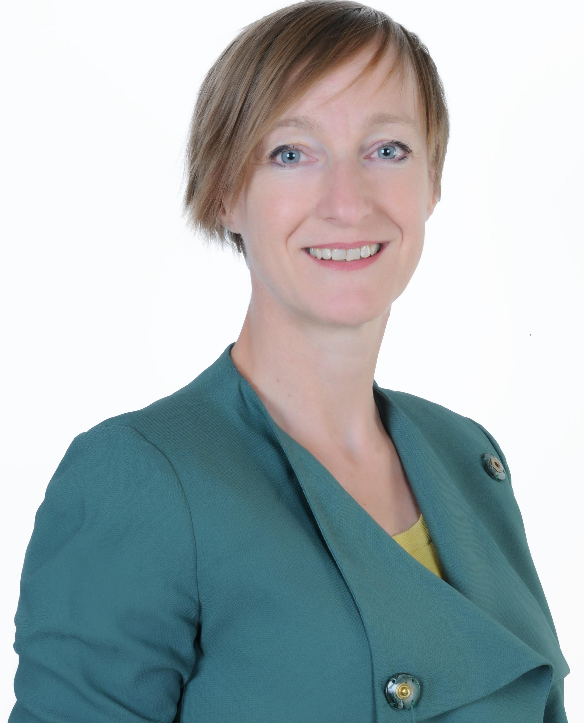 Brigitte van Kwikkelberghe_Corporate Picture_edited2.jpg
