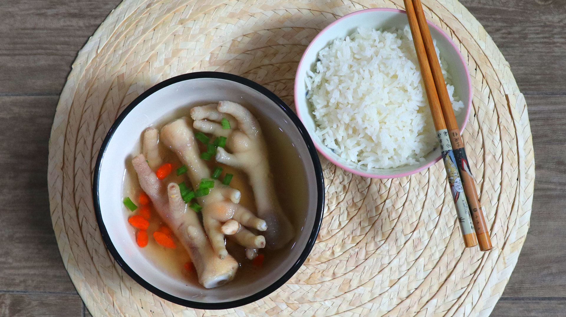 two-bad-chefs-chicken-feet-soup-dish-04.jpg