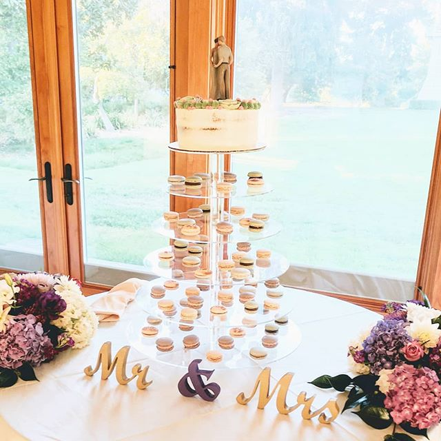 What dreams are made of... Red velvet cake with cream cheese buttercream and hand-piped succulents and flowers, topped with our client's custom figure cake topper, floating above little clouds of multicolored macarons. A gluten-free tower of love. 🥰🥰🥰🎉 . . . . . . . . . . . . . . . . . . #SweetDiplomacy #Cake #Cakes #macaron #dairyfreemacaron #Desserts #glutenfreeweddingcake #glutenfreewedding #macarontower #cakeoftheday #cakesofinstagram  #GlutenFree #GlutenFreeDesserts #GlutenFreeBakery  #GlutenFreeTreats #GlutenFreeCake #GlutenFreeBaking #BayAreaGlutenFree #BayAreaCakes #BayAreaEvents  #BayAreaDesserts #BayAreaEats #BayAreaCeliac #BayAreaSweets #BayAreaBakery #BestBayAreaBakery #SiliconValleyEvents #SiliconValleyEats #SiliconValleyCakes