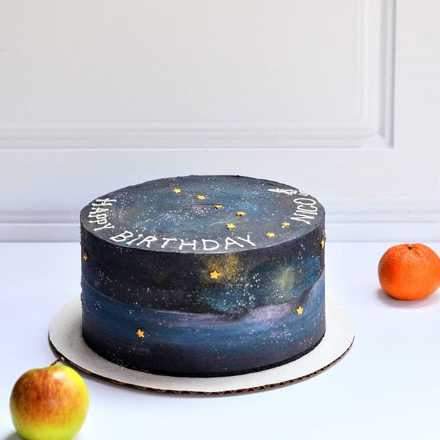 Star light, star bright, the first star I see tonight. I wish I may, I wish I might, have the wish I wish tonight. 🌟🌠✨ Galaxy cake with red velvet interior. Follow the Big Dipper to the North Star. Follow @sweetdiplomacyco to the best gluten-free treats. 😎 . . . . . . . . . . . . . #SweetDiplomacy #Cake #Cakes #GalaxyCake #GluteFreeCake #GlutenFreeGalaxyCake #CakeBaker #ButtercreamGalaxyCake #StarCake #cakeoftheday #cakesofinstagram #cakedecorating  #GlutenFree #GlutenFreeDesserts #GlutenFreeBakery  #GlutenFreeTreats #GlutenFreeCake #GlutenFreeBaking #BayAreaGlutenFree #BayAreaCakes #BayAreaEvents  #BayAreaDesserts #BayAreaEats #BayAreaCeliac #BayAreaSweets #BayAreaBakery #BestBayAreaBakery #SiliconValleyEvents #SiliconValleyEats #SiliconValleyCakes