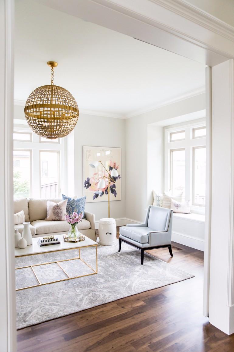 Bright-Living-Room-Lighting-Ideas.jpg