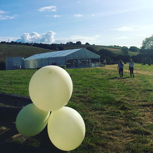 Throw back to last weekend's wedding 👰 🤵 what a setting that was!! 🎉🎉🎉 #wedding #weddingband #weddingbanddevon #devonweddingband #devon #devonwedding #southwest #southwestwedding #southwestweddingband #countryside #countrysideweddding #gig #weddinggig #livemusic #weddinglivemusic #livemusicwedding #weddingmusic #indie #rock #pop #marquee #marqueewedding #balloons #summerwedding