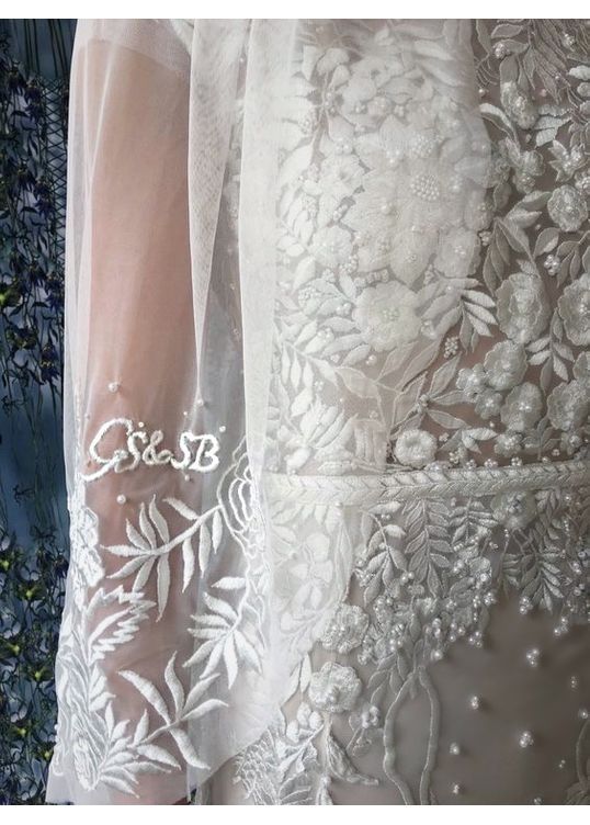 Personalised Initials Embroidery Wedding Veil Inspo.jpeg