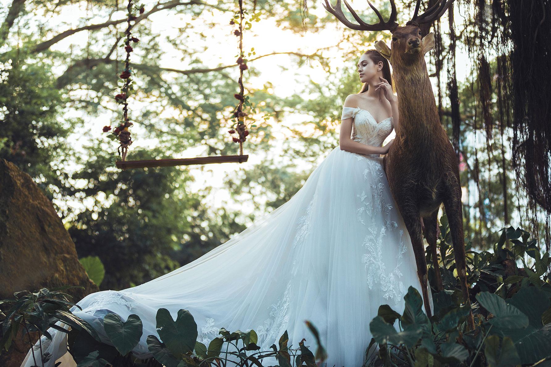 off-the-shoulder-sweetheart-a-line-wedding-dress.jpg