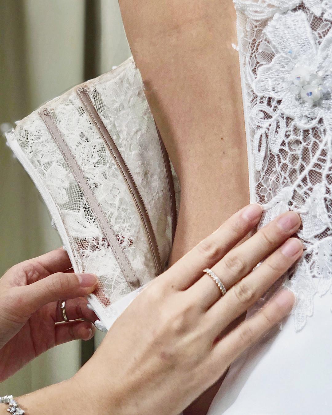 boning of corset ccm wedding