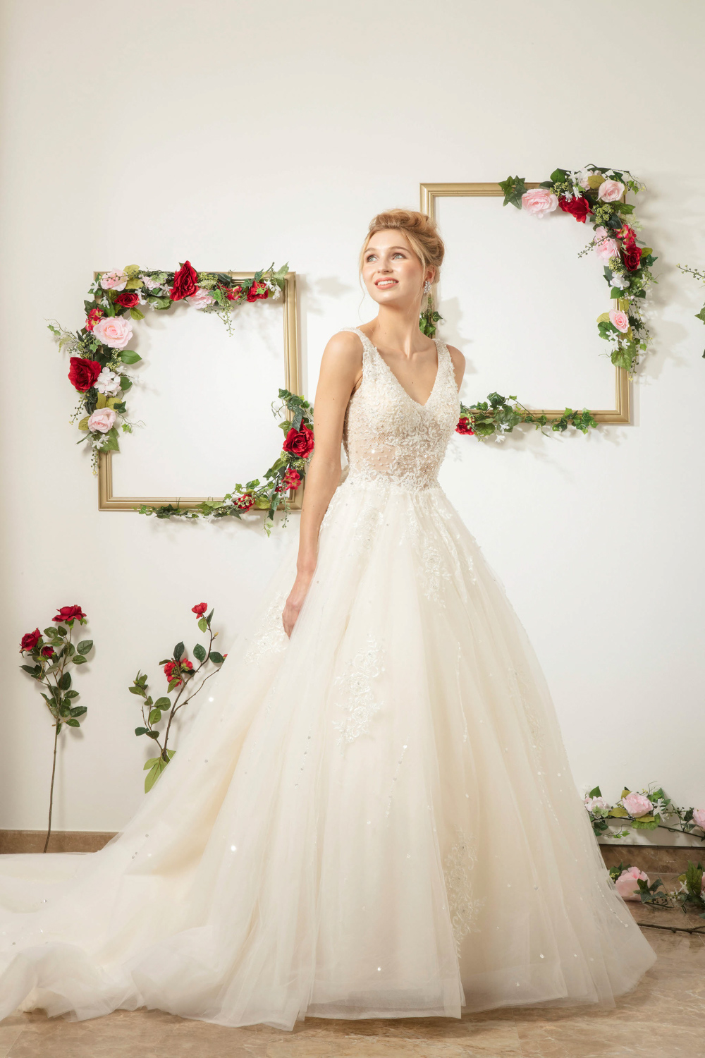 Sleeveless A line wedding dress by CCM Wedding
