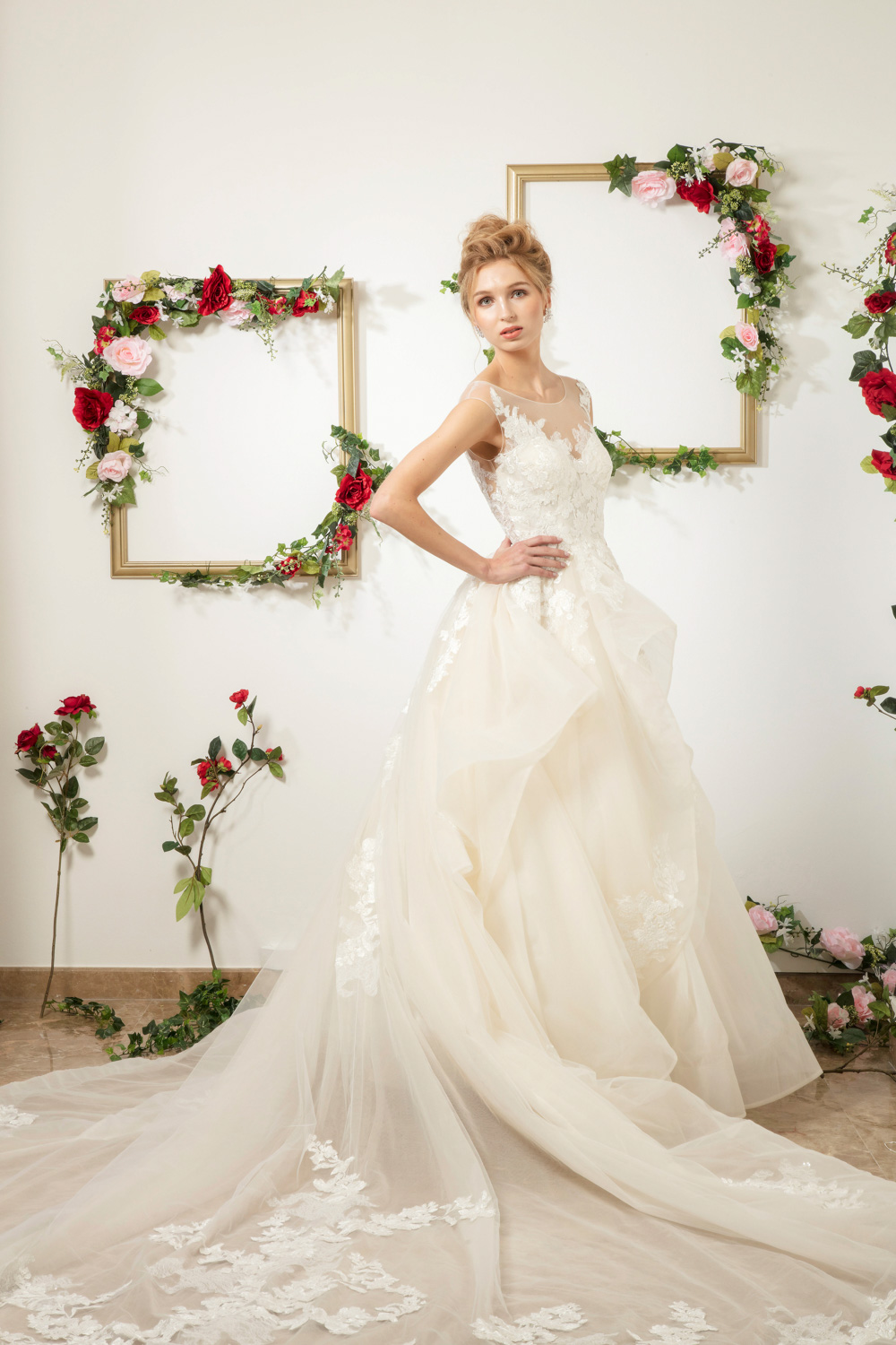 Illusion sweetheart neckline by CCM Wedding