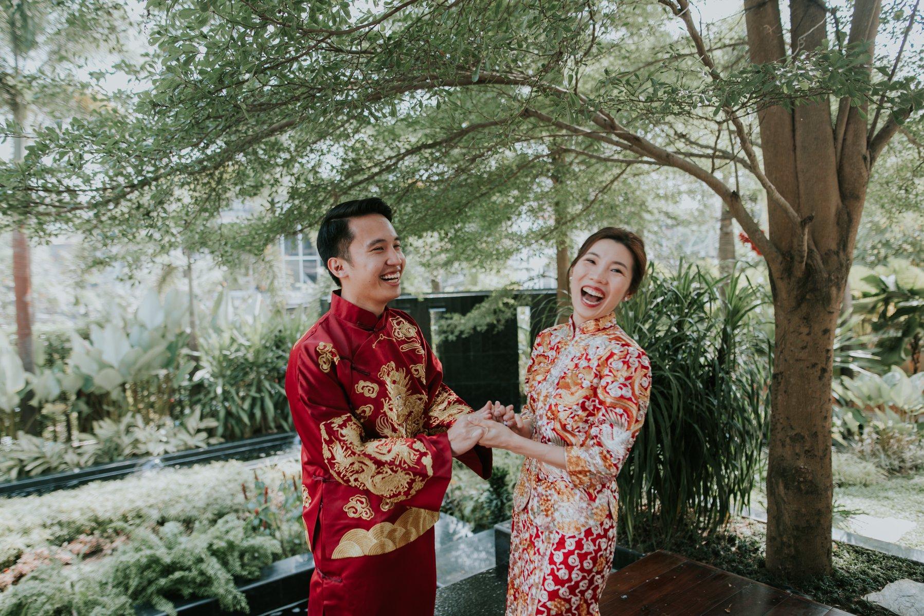 couple qun kua ccm wedding.jpg