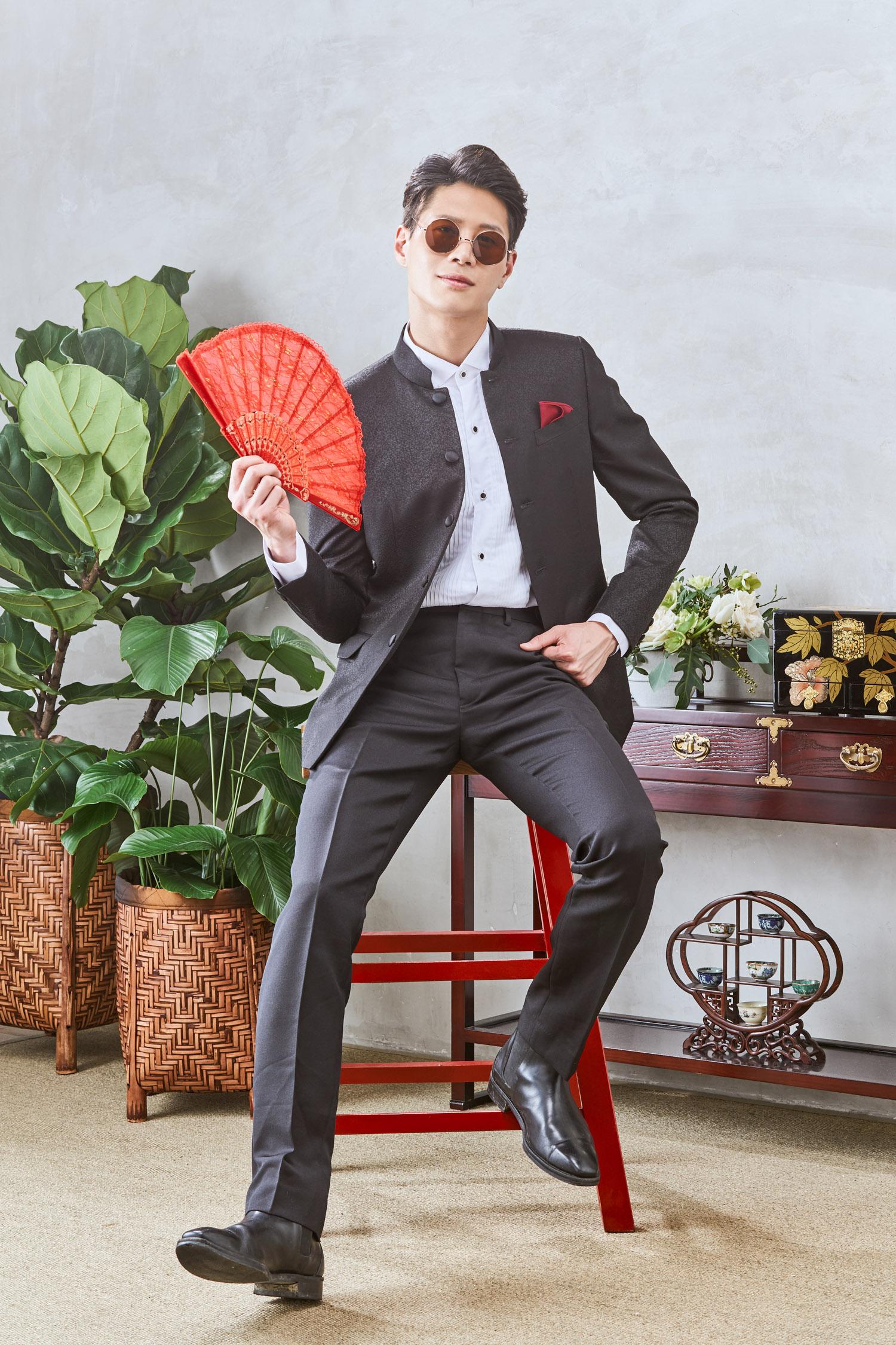 Mandarin collar suit by CCM Wedding