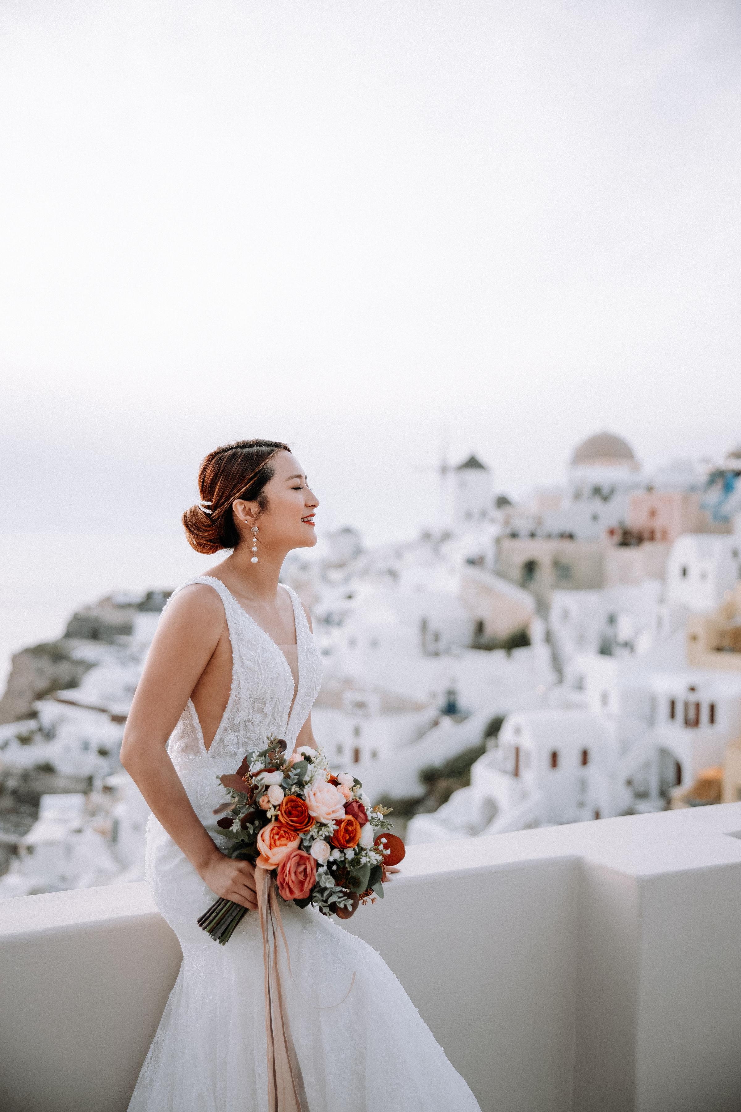 bride+bespoke+v+neck+lace+wedding+dress+ccm.jpg
