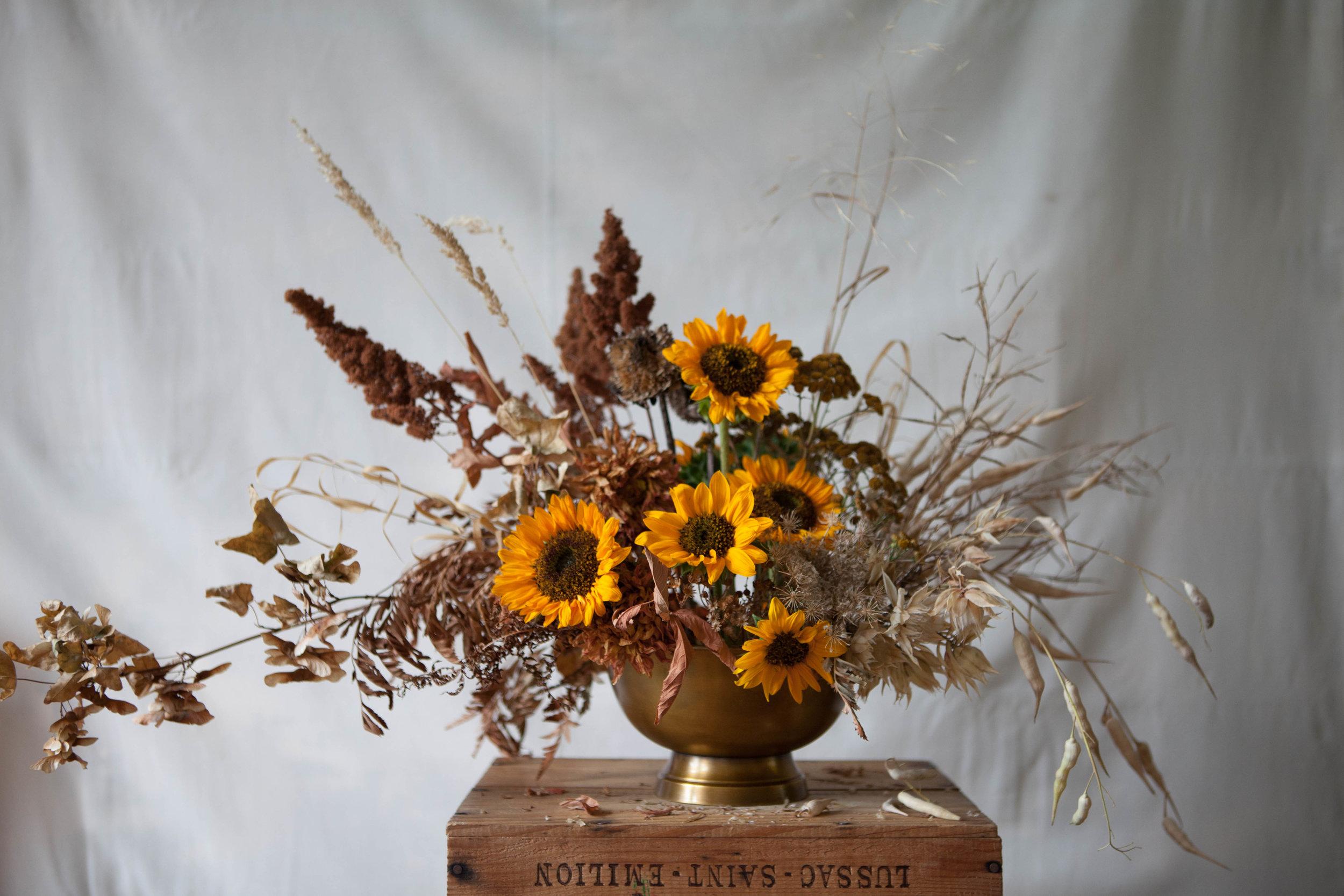 midsummer arrangement - inspire styling