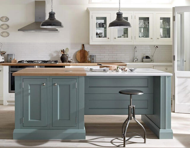 Traditional Kitchen Styling - A BEAUTIFUL 1909 KITCHEN WILL ALWAYS HAVE DISTINCT CLASSIC DETAILING