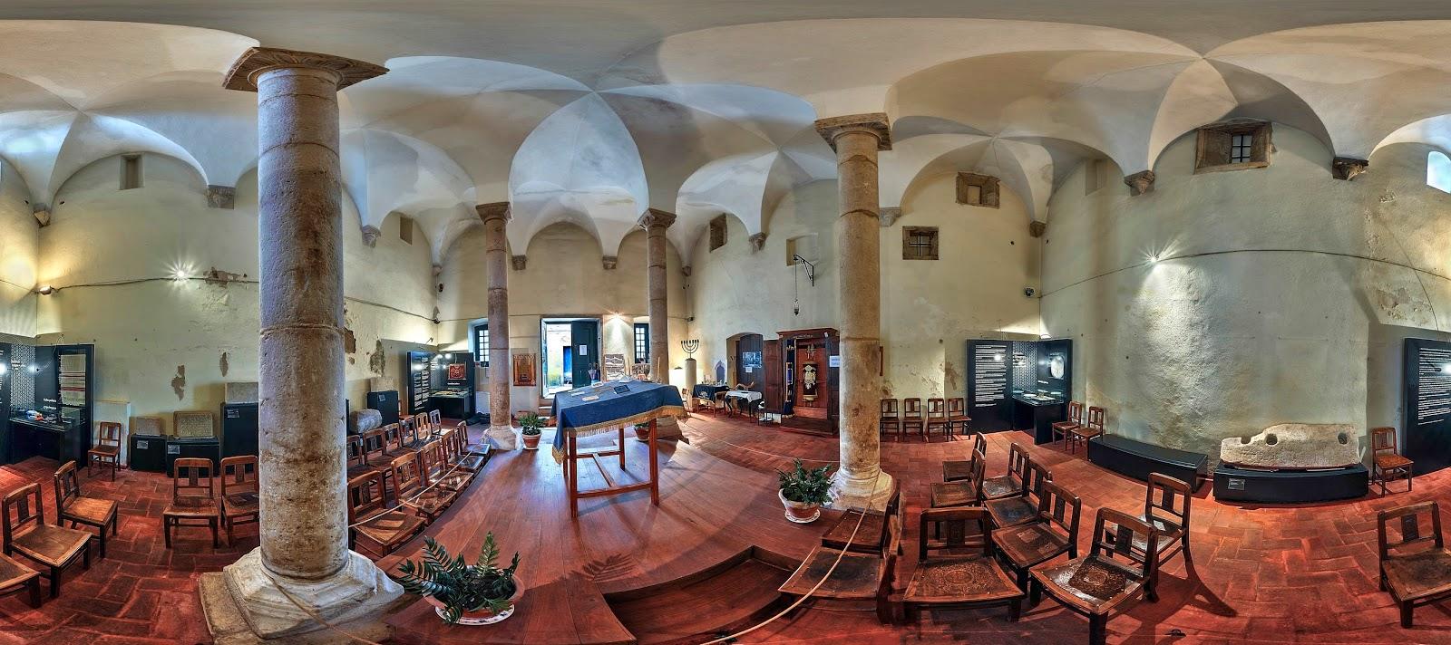 La synagogue de Tomar est un musée où vous serez accueilli de manière bienveillante