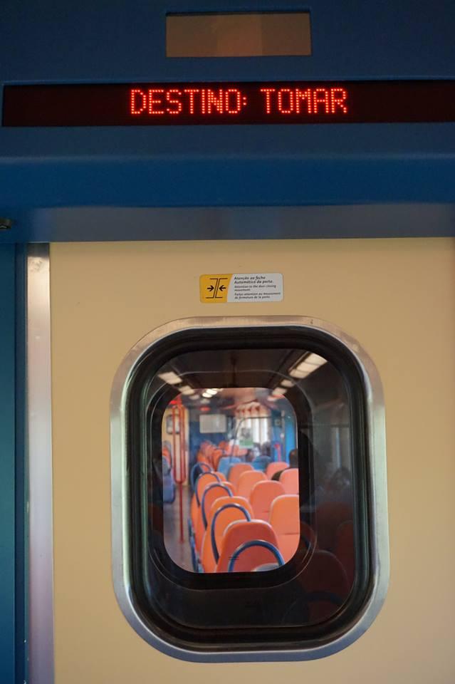 Le train qui mène à Tomar depuis Lisbonne dure moins de 2 heures
