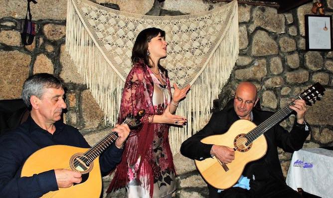 Écouter du fado est une bonne alternative quand on visite Lisbonne en hiver, et même en été