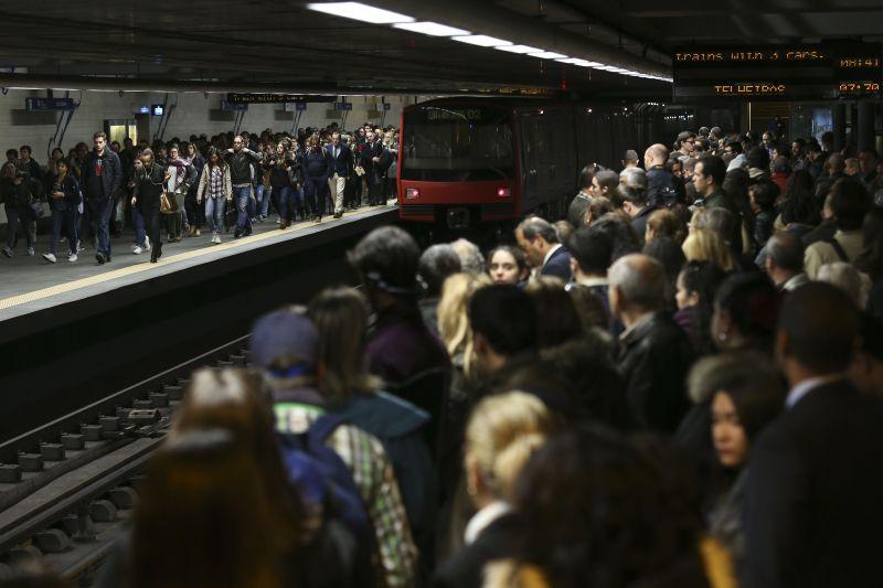L'attente du métro à Lisbonne comme nous les aimons