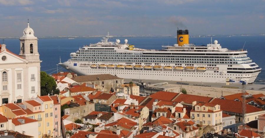 Les navires de croisières polluent énormément et accostent souvent au coeur des villes.