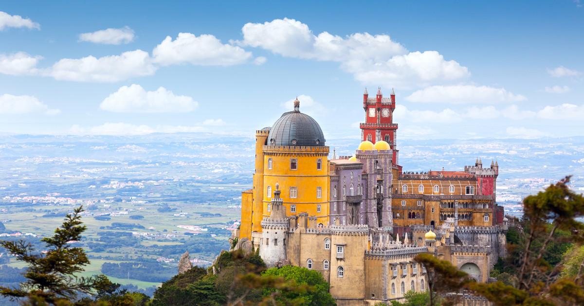 Palacio da Pena is worth a visit when you go to Sintra