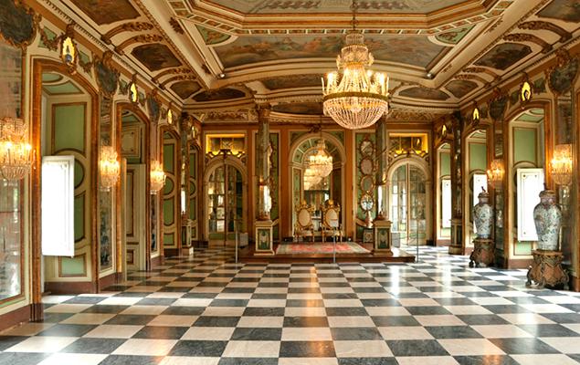 Looking for an original visit to Sintra? Discover the Palácio Nacional de Queluz