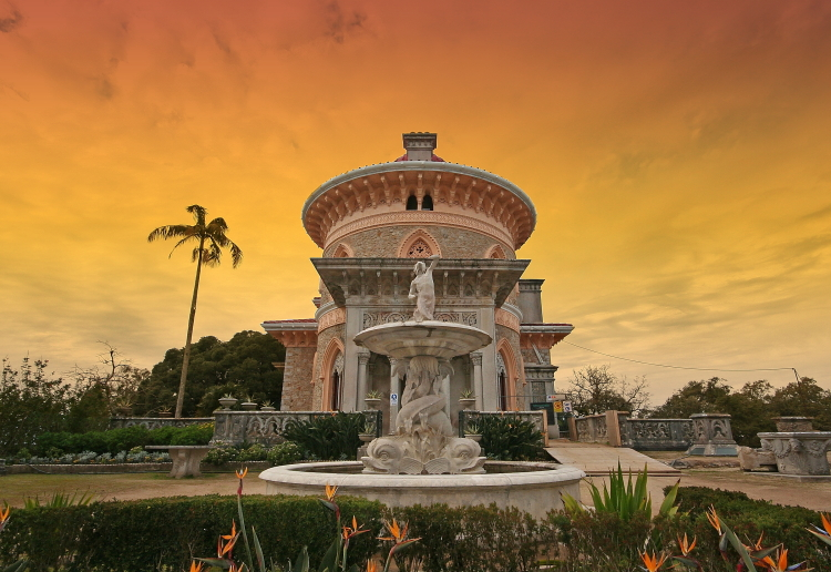 A discovery of Sintra and its surroundings would be incomplete without a visit to Palácio de Monserrate