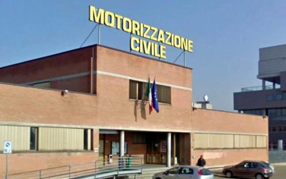Voici à quoi ressemble un bureau de la Motorizzazione Civile (UMC) pour immatriculer sa voiture en Italie
