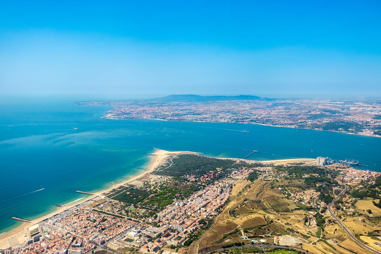 The beaches of Costa da Caparica will be closed in August in turn