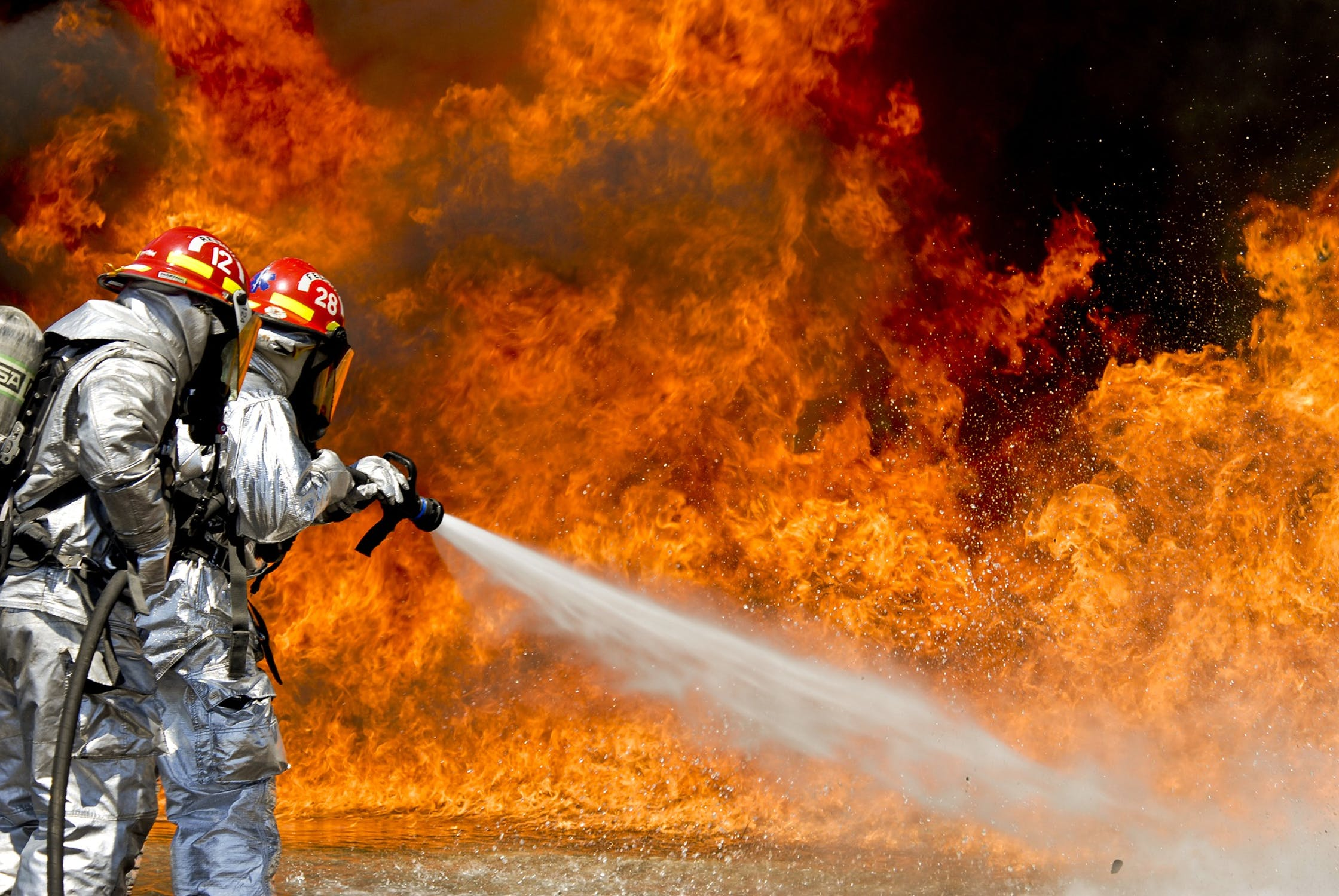 Red warning for extreme temperature and fire risks in 13 districts in Portugal