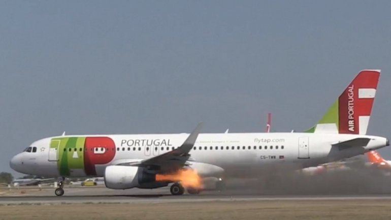 Aircraft engine explodes just before takeoff at Lisbon airport : no injuries