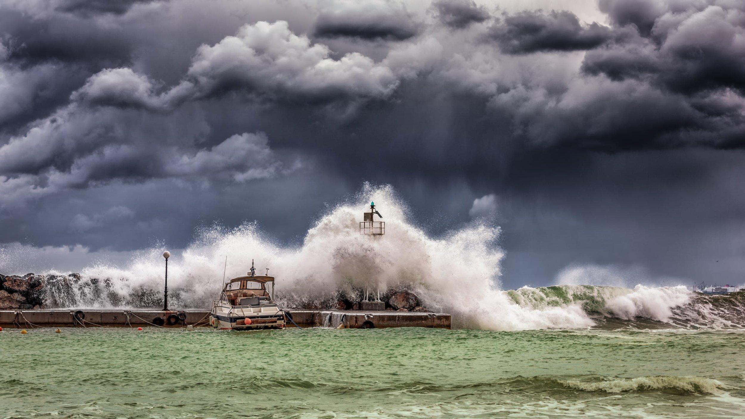 L'ouragan Lorenzo va frapper tout l'archipel des Açores avec des vents de plus de 180 km/h