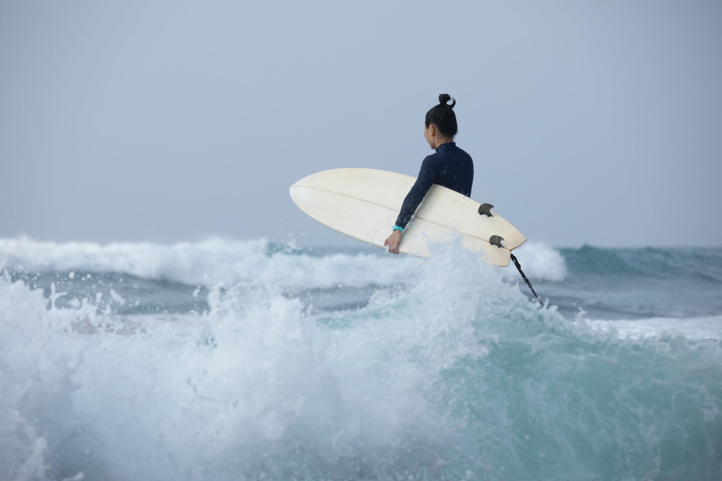 surfer-2YRTZB9 (1).JPG