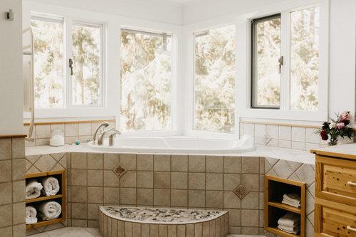 Room+Shots+-+Retreat+center+salt+spring-35.jpg