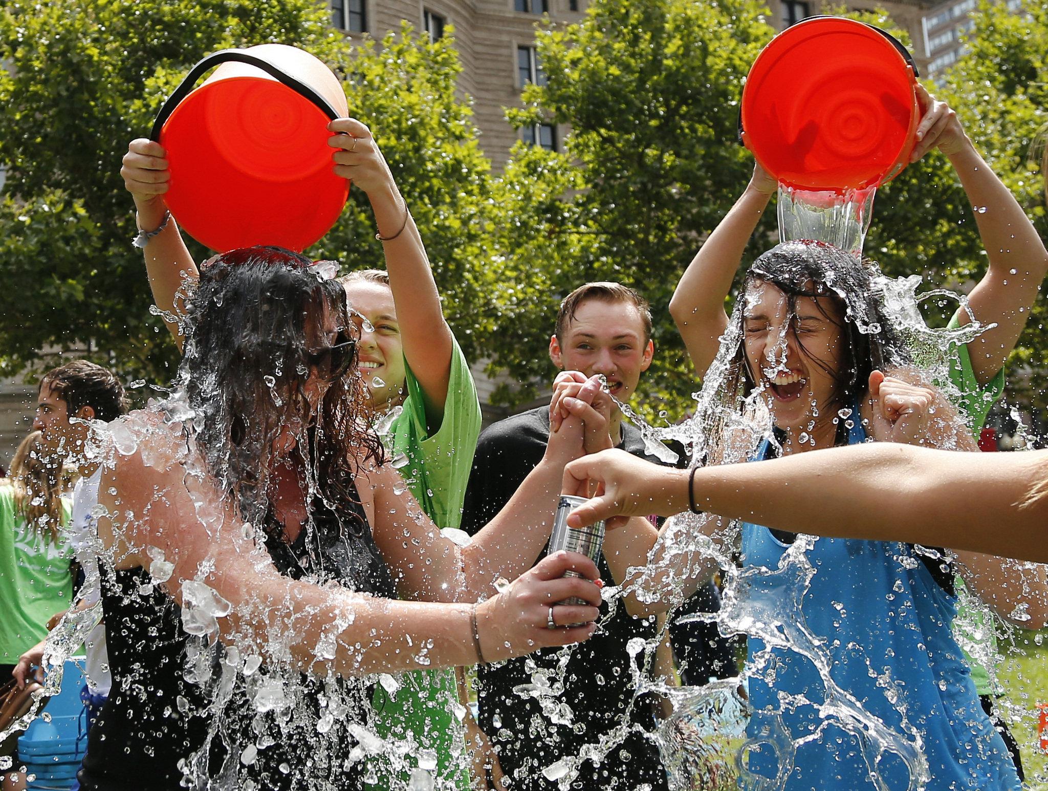ice-bucket-challenge-90ba5cb552483002.jpg