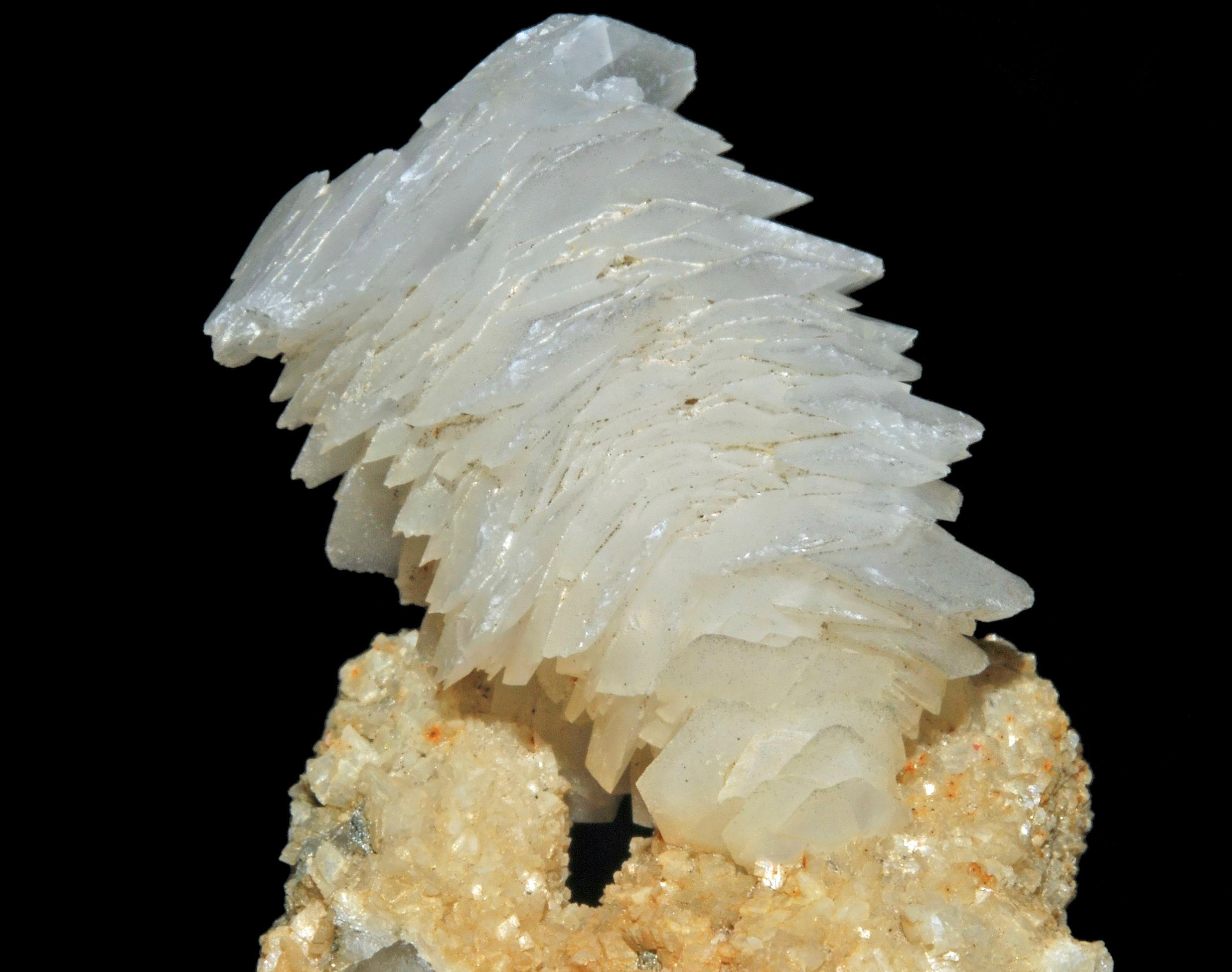 Calcite%252C_dolomite%252C_quartz.jpg