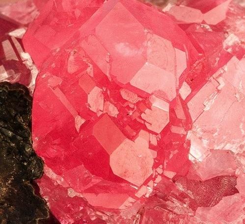 Rhodochrosite-234877.jpg