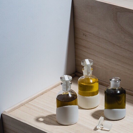 Minimal design ✔️ Plastic-free packaging ✔️ Aesthetically pleasing ✔️ ⠀⠀⠀⠀⠀⠀⠀⠀⠀ Your base oil can be used for everything. ⠀⠀⠀⠀⠀⠀⠀⠀⠀ Face, hair, body.  Cleansing.  Makeup removal.  Massage.  Moisturizer. ⠀⠀⠀⠀⠀⠀⠀⠀⠀ And the way we love to use it most - as a transportive, yet grounding tool before the start and end of each day. ⠀⠀⠀⠀⠀⠀⠀⠀⠀ ⠀⠀⠀⠀⠀⠀⠀⠀⠀ #creativeprocess #waxobsessed #waxonwaxoff  #dispensary #modernapothecary #experimentingeveryday #simplystyled #design #antiplastic #plasticfree  #smallbatchskincare #greenbeauty #ecobeauty #myothdermis #dermisxmyoth  #transportiveelements #supportyoursanctuary #worldofmyoth