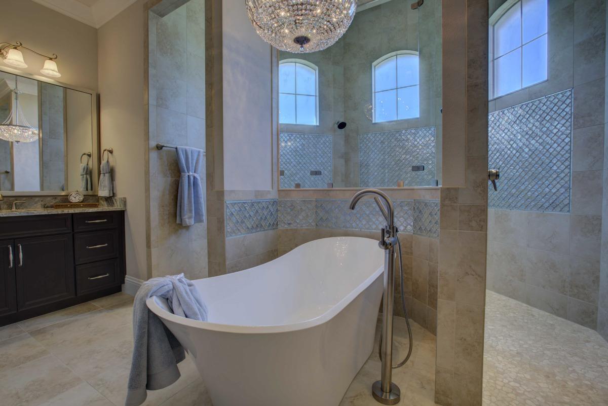 rosewood-master bath 2.jpg