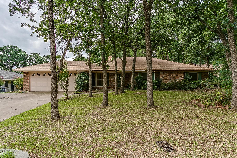 5612 Trail Lake Dr Arlington-large-001-2-Trail Lake 1 of 44-1500x1000-72dpi.jpg
